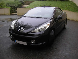 superbe peugeot COUPE CABRIOLET 207 HDI 110CH SPORT