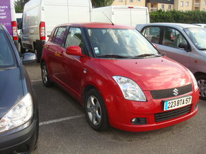 vend susuki swift rouge DDSIS
